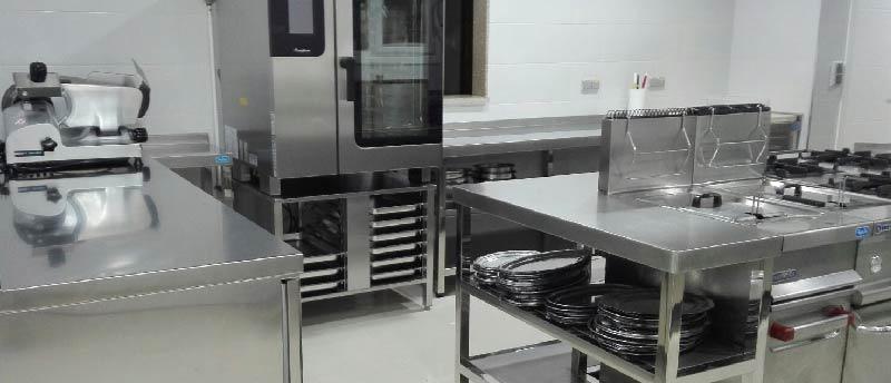 Elegir la cocina industrial hosteler a - Mobiliario cocina industrial ...